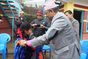 Track Suiats Distribution_Bachchhala Devi Basic School_13 December_2019 (273)