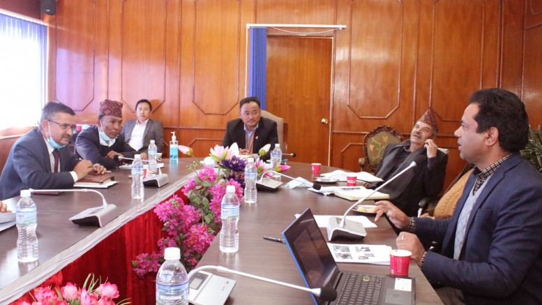 5ff6f7a4a5a75_bhautik_mantralya_meeting